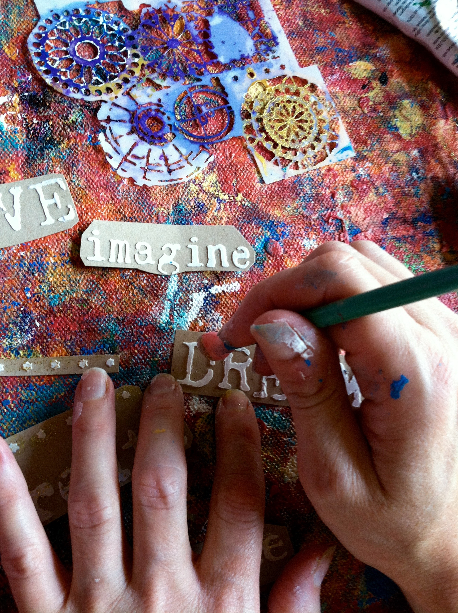 Adding glitter paint to words