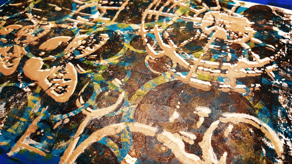 Layers 6 and 7 applied with a brayer - close up.